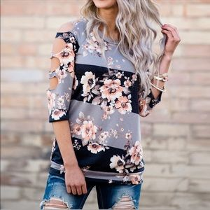 Tops - 💙🌸NWT Striped Floral Cutout Blouse Top🌸💙